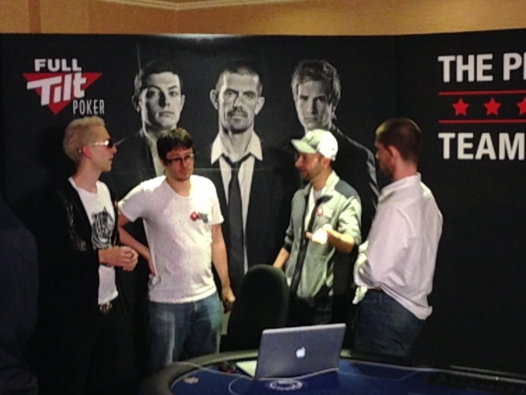 PokerStars vs Full Tilt Poker - 3:0 (autor fota: ruzovka_cz)