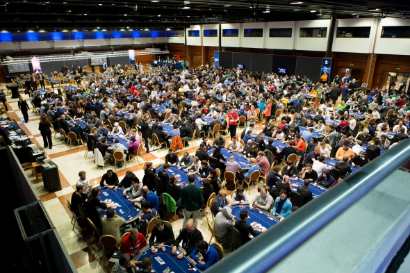 ept-10-prague-tournament-room.jpg