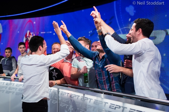 Adrian Mateos triumfoval v Main Eventu EPT Grand Final