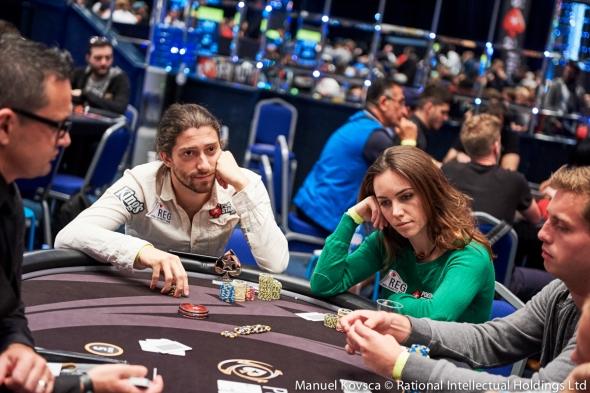 datovania je ako hrať poker