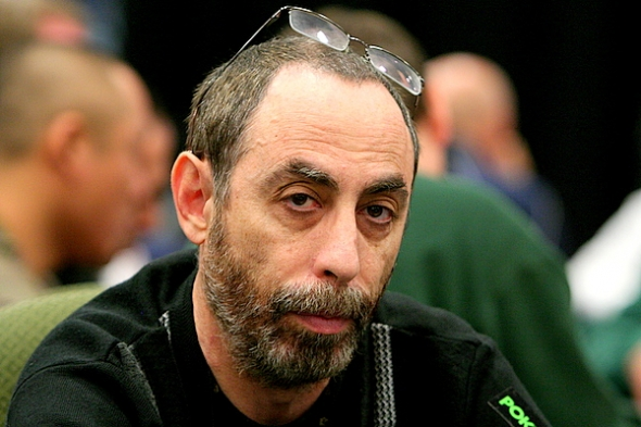 Barry Greenstein postupuje do 2. dne $3k Shootout eventu