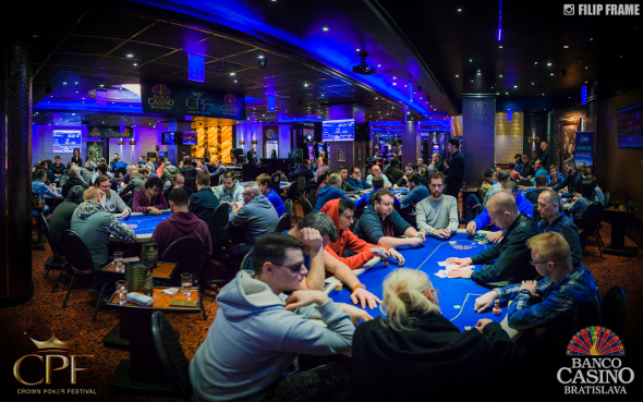 Main Event Crown Poker Festivalu