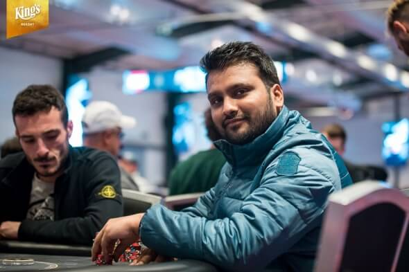 Chipleader po druhém flightu Pulkit Goyal